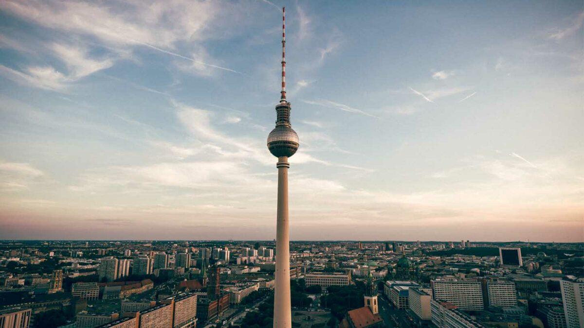 Germany - EU Commission requests Berlin to change its E-commerce legislation