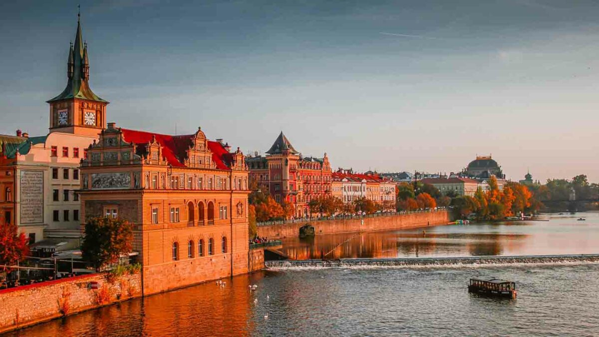 Czech Republic – Extension of VAT and customs duties exemption for importation of medical equipment